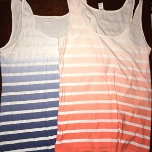 Bundle old navy tanks GUC SZ L